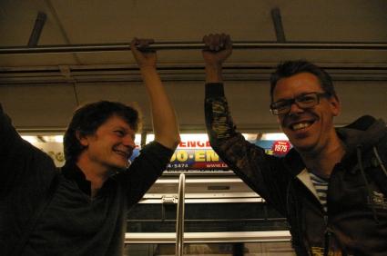 Christoph Simon und Markus Köhle riding the NY Metro